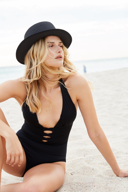 Swimsuit-photoshoot-Miami-Stephi-Wald-6